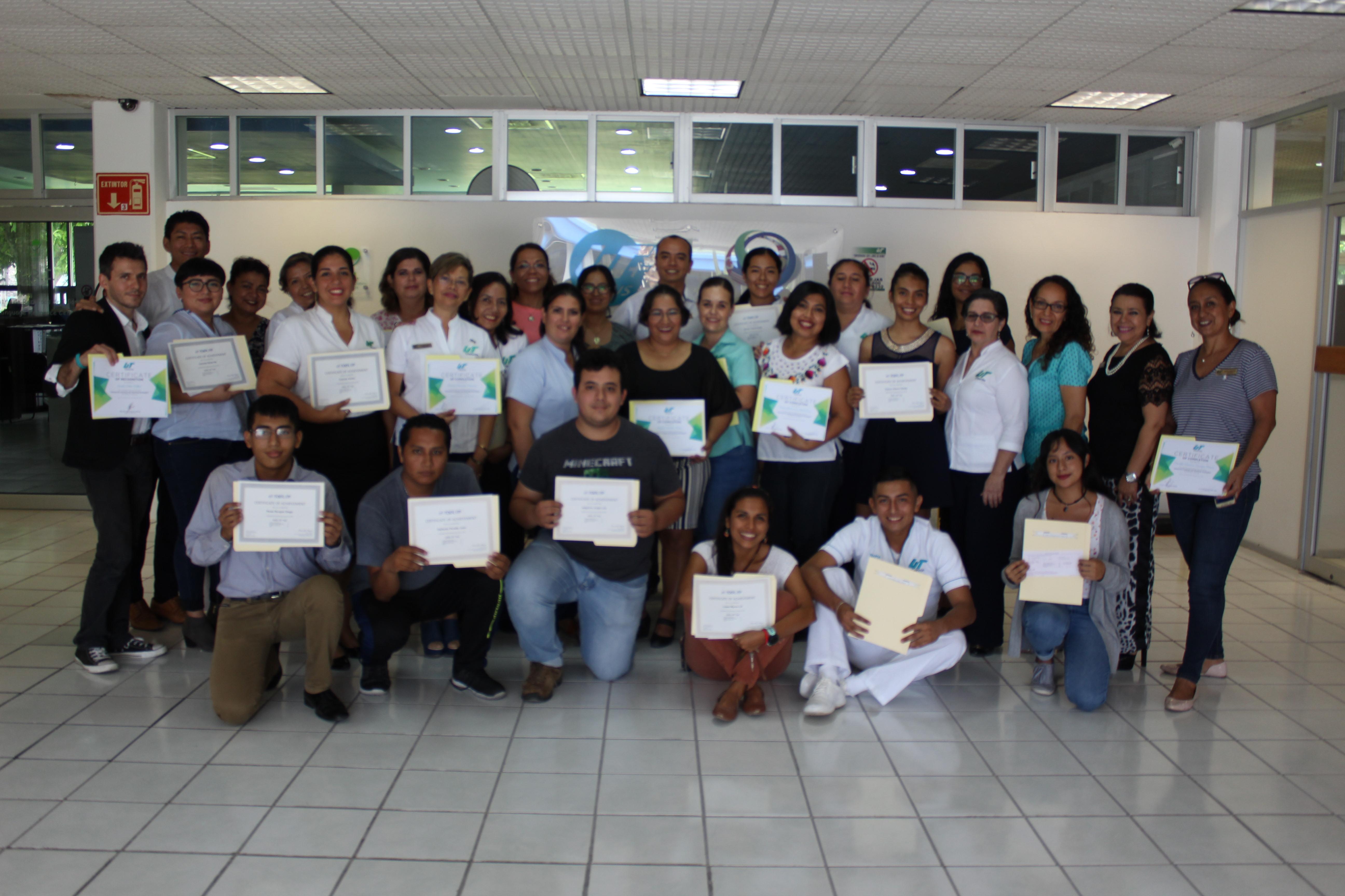 Entrega de Certificados TOEFL a Docentes UT Cancún